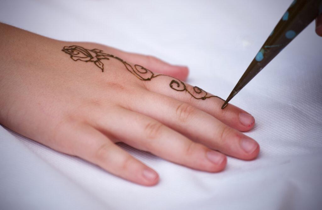 Pathways to Israel Event henna